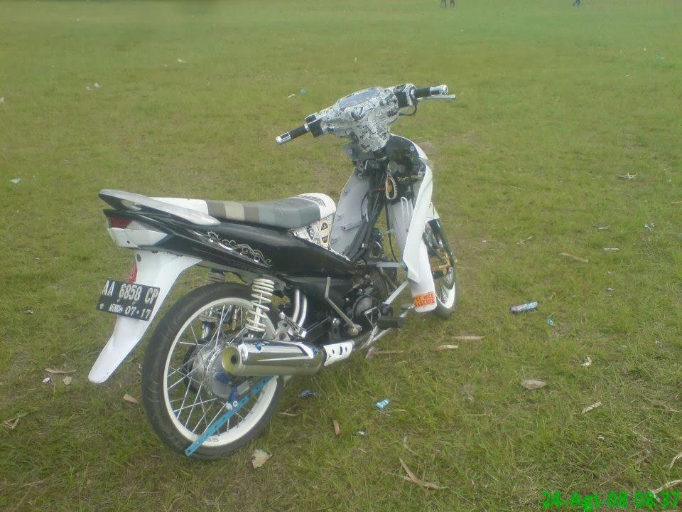 artikel kali ini mengenai Gambar Modifikasi Motor Yamaha Vega ZR