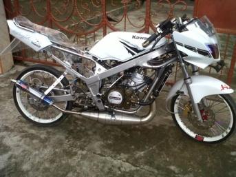 Modifikasi Kawasaki Ninja 150 R (4)